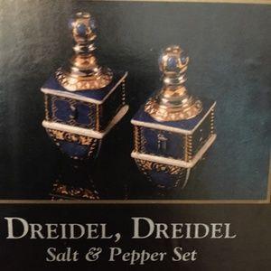 NIB Christopher Radko Dreidel Salt & Pepper Shaker